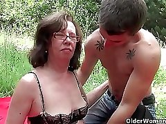 Granny gets her asshole invaded outdoors